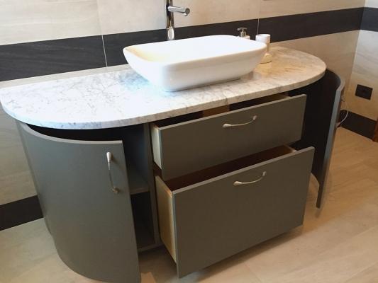 Mobile su misura per il bagno